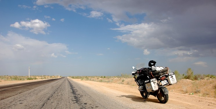 Moto route voyage aventure BMW road trip asie centrale